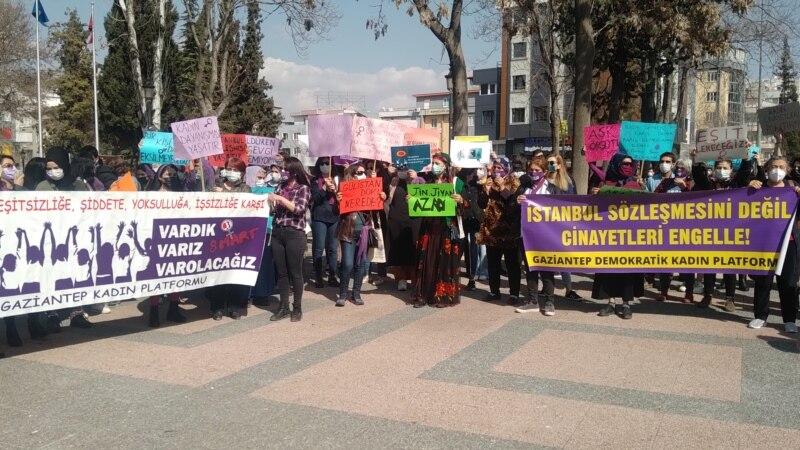 Gaziantep'te 8 Mart Kadınlar Günü Coşkusu
