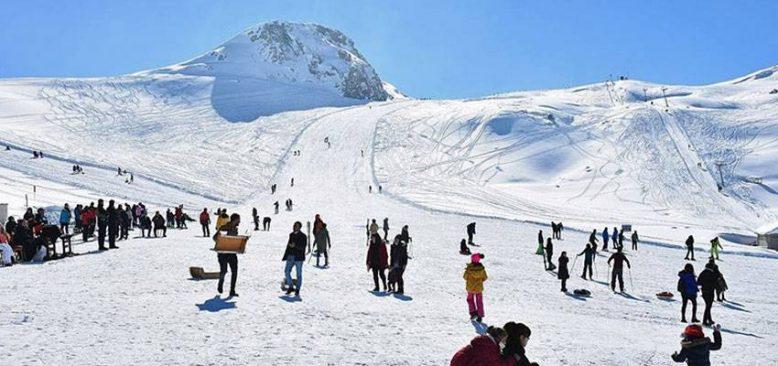 Hakkari'deki kayak merkezi yatırımlarla bölgenin gözdesi haline geldi