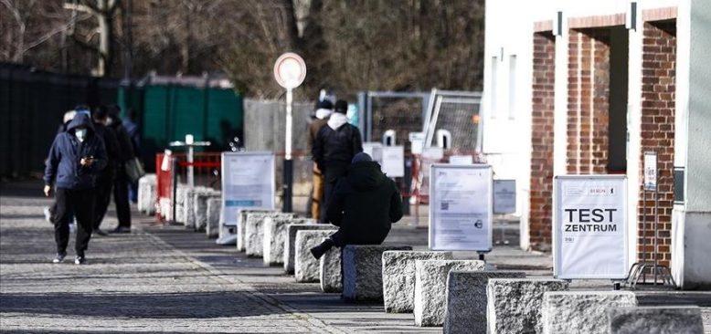 Almanya'da Kovid-19 vaka sayısı 2 milyon 700 bini geçti