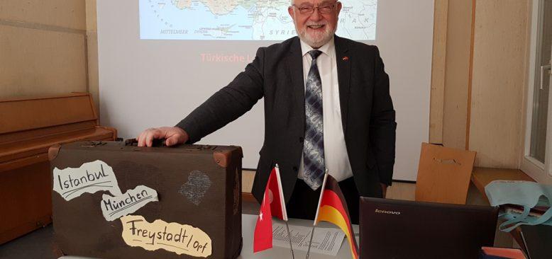 Gümrükçü'nün hikâyesi Alman dergisinde
