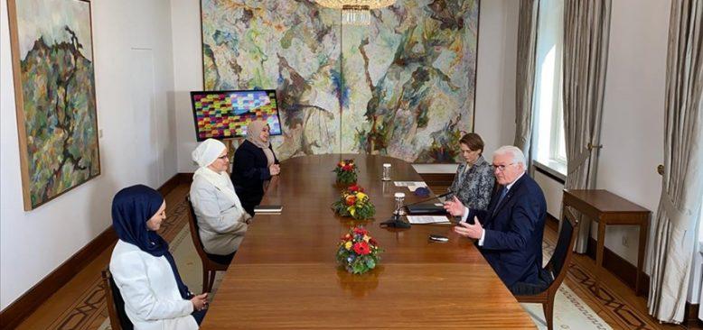 Cumhurbaşkanı Steinmeier, Bonn'da Müslüman kadınlarla buluştu