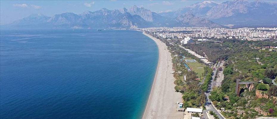 Turizm kenti Antalya'da Kovid-19 ile etkin mücadele sürüyor