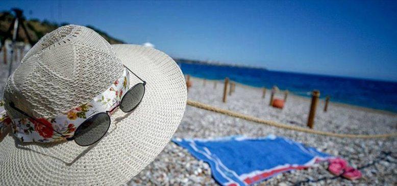 Türkiye, salgına rağmen 2020'de ve 2021'in ilk iki ayında 17 milyondan fazla turist ağırladı