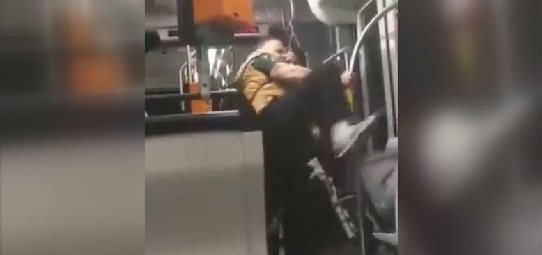 Irkçı bir Alman 17 yaşındaki Suriyeliye saldırdı
