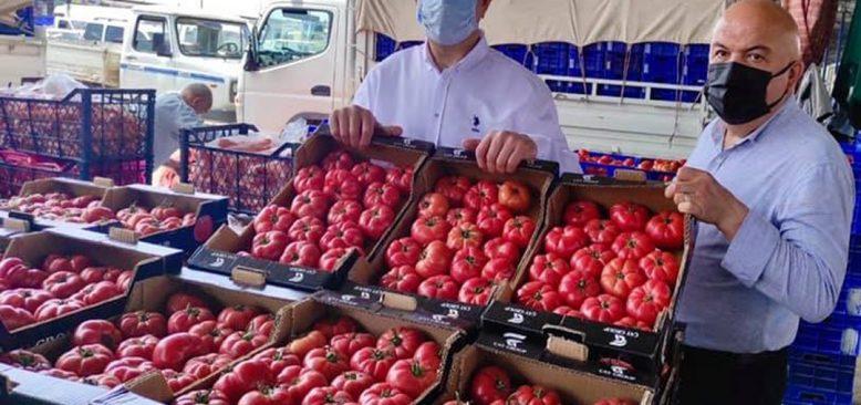 Tam kapanmada semt pazarları açılmadı çiftçi isyan ediyor