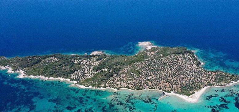 Dikili'deki adalar bölgesi doğal güzellikleriyle dikkati çekiyor
