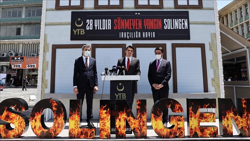 Solingen'deki ırkçı saldırının kurbanları anıldı