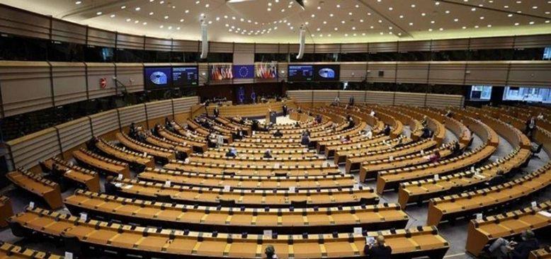 Avrupa Parlamentosu seyahate imkan verecek Dijital Kovid Sertifikası'nı oylayacak
