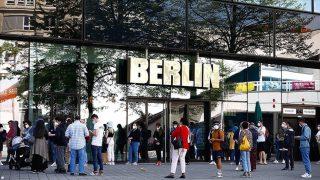 Almanya maske zorunluluğunu kaldırmayı tartışıyor