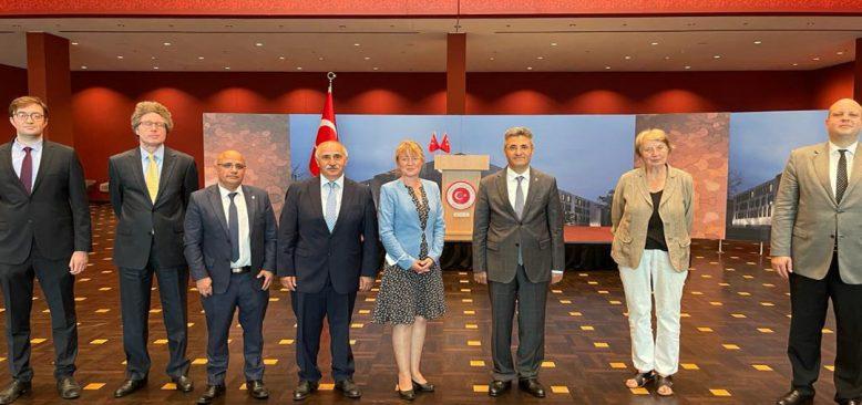 TDU ile Paritätischer Wohlfahrstverband Büyükelçi Ali Kemal Aydın'ı ziyaret etti