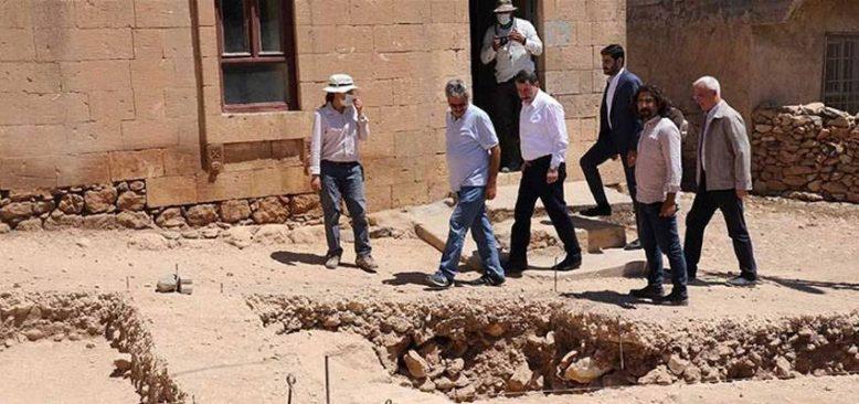 Şanlıurfa'da Neolitik dönemin izlerine rastlanılan ören yerinde kazı başladı