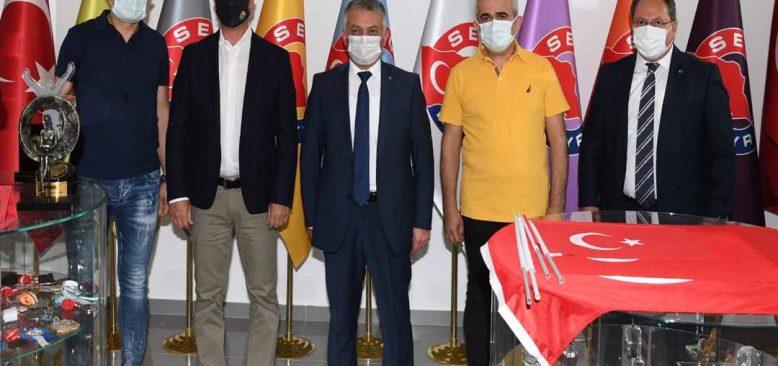 Türk ürünler Dünyada markalaşmalı