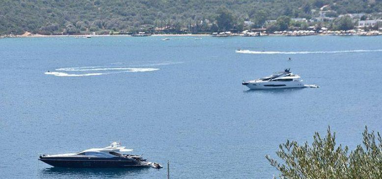 El değmemiş koyların 'milyon dolarlık' misafirleri denizlere renk kattı