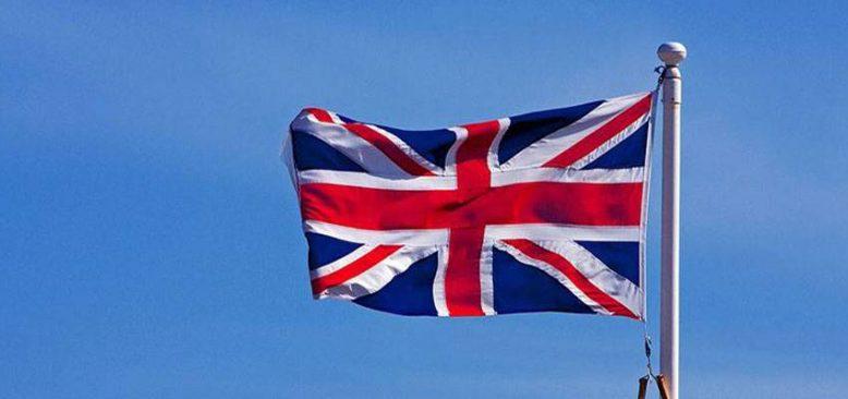 İngiltere, tam aşılı AB ve ABD vatandaşlarına karantinayı kaldırıyor
