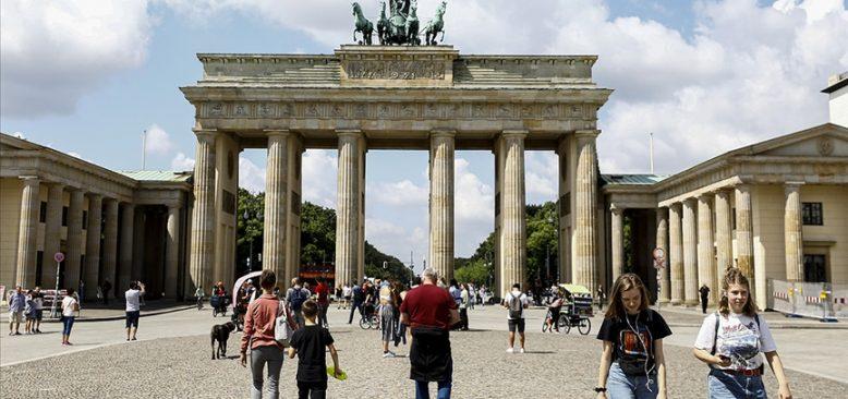 Almanya'da Kovid-19 vaka sayıları artıyor