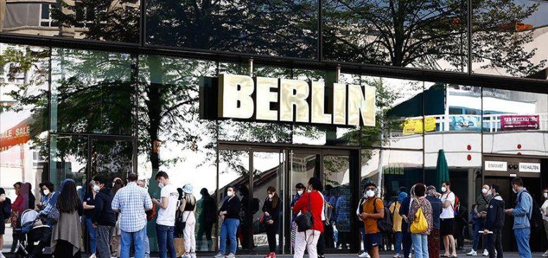 Almanya'da Delta varyantı baskın tür oldu