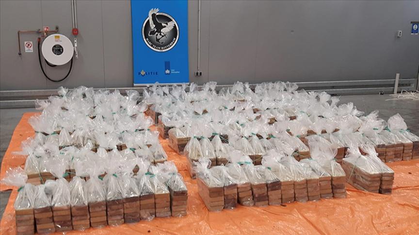 Rotterdam limanında 1 ton 760 kilogram kokain ele geçirildi
