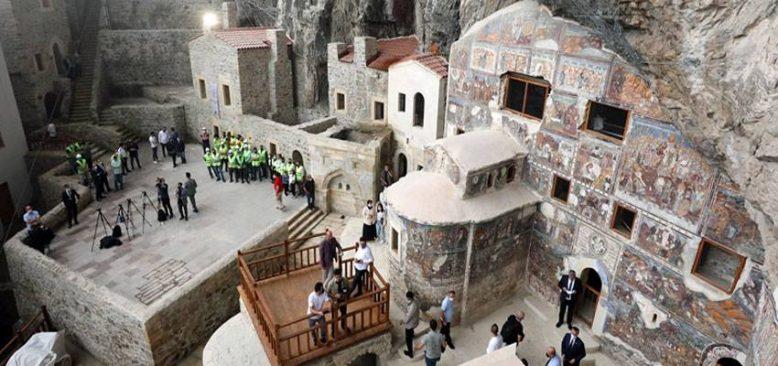 Sümela Manastırı 5 yıllık restorasyonun ardından ziyarete açıldı
