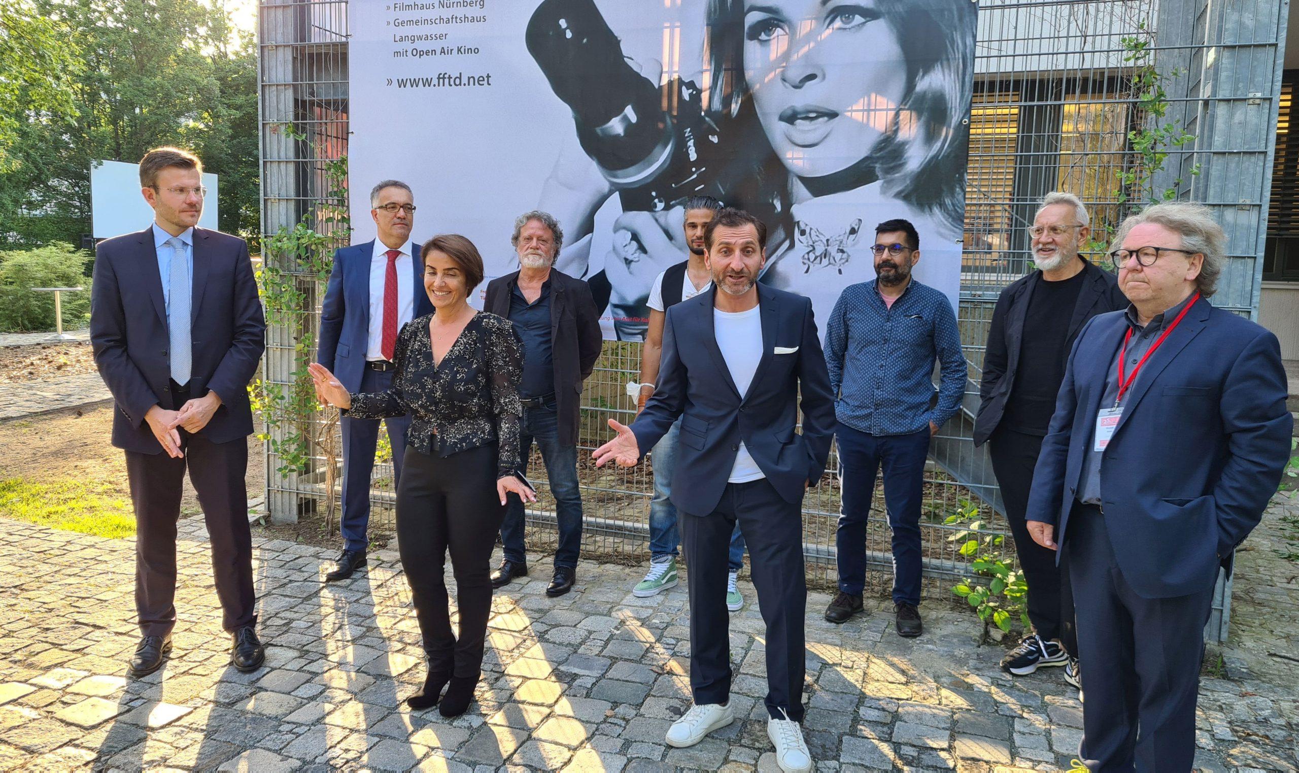 Çeyrek asırlık film festivali başladı