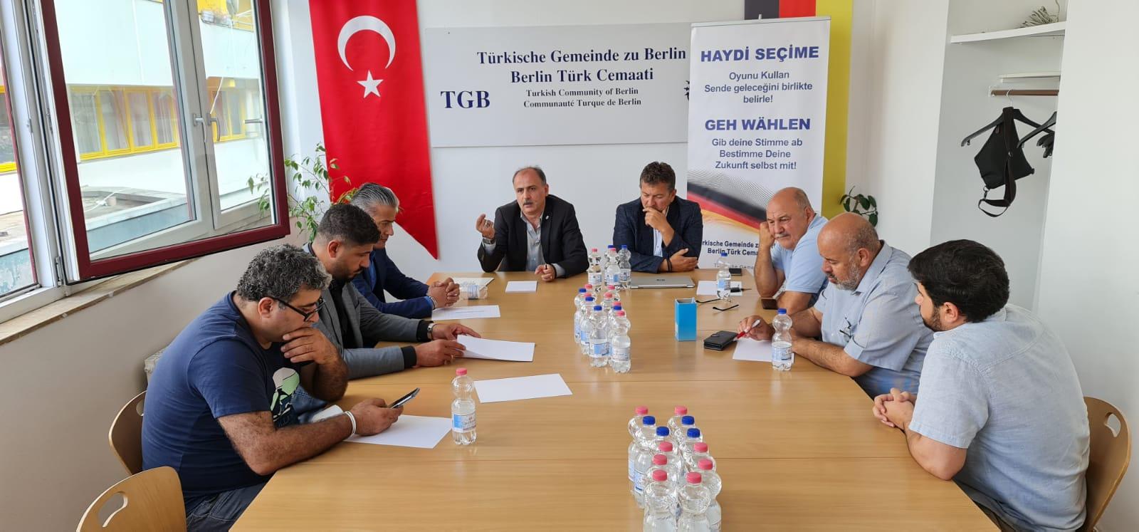 Berlin Türk Cemaati, Almanya'da seçime katılım çağrısı yaptı