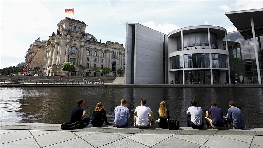 Alman Robert Koch Enstitüsü: Salgında 4'üncü dalganın başladığını görüyoruz