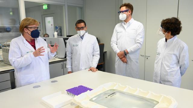 Merkel'den BioNTech'in üretim tesisine ziyaret