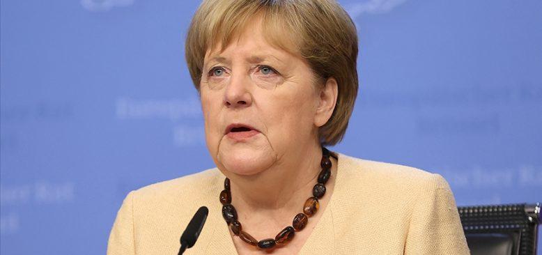 Merkel: Taliban ile diyalog devam etmeli
