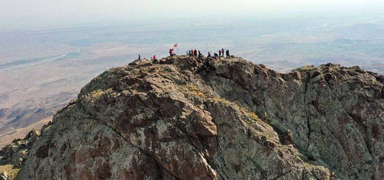 Doğu Anadolu'nun zirveleri dağcıların ilgisini çekiyor