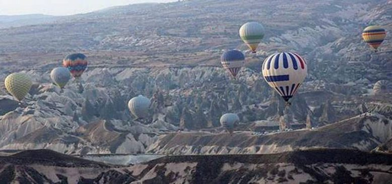 Kapadokya Sıcak Hava Balon Festivali renkli görüntülere sahne oldu