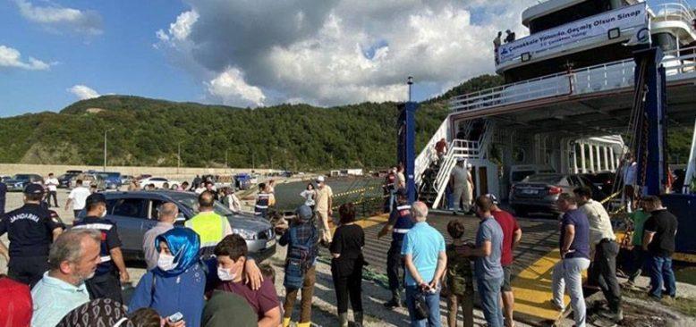 Sel felaketi nedeniyle Türkeli'nde mahsur kalan tatilciler arabalı vapurla tahliye ediliyor