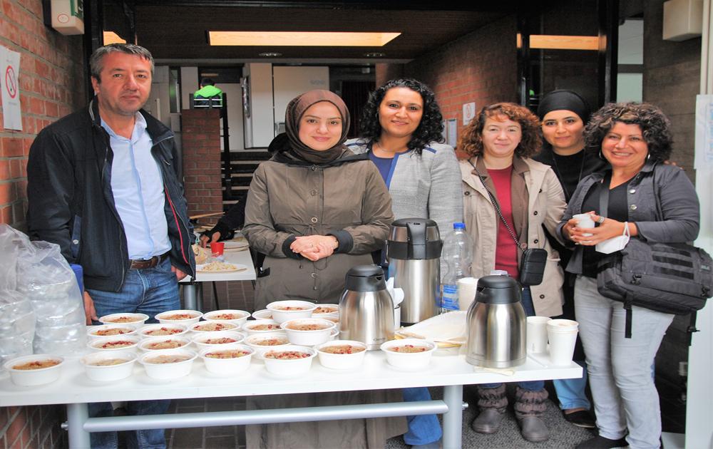 Hamburg Kültürlerarası Aileler Birliği'nden Aşure