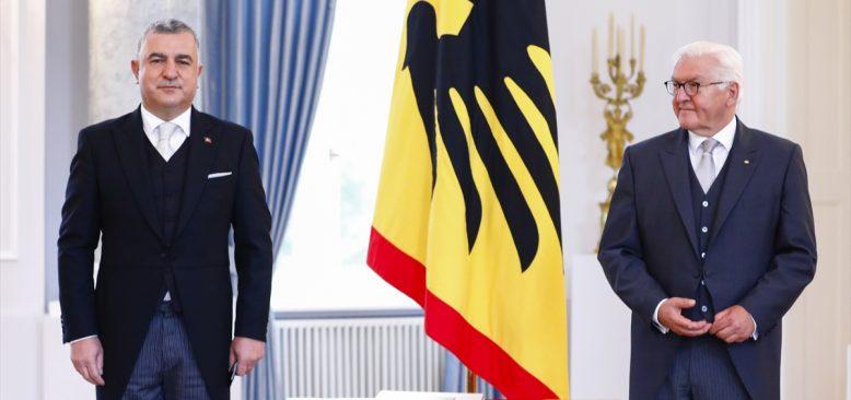 Türkiye'nin Berlin Büyükelçisi Şen, Cumhurbaşkanı Steinmeier'e güven mektubunu sundu