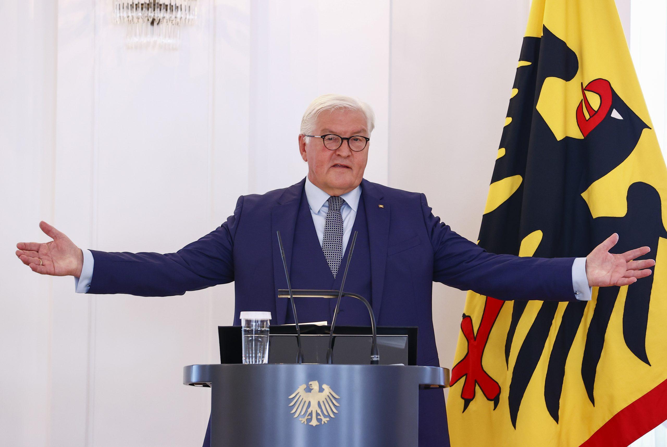"""Cumhurbaşkanı Steinmeier: """"Bu ülke size çok şey borçlu"""""""
