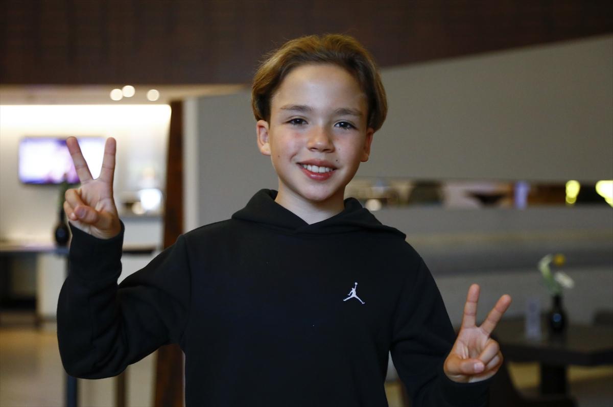 12 yaşındaki Kaya Sunel, sesiyle Almanları büyüledi