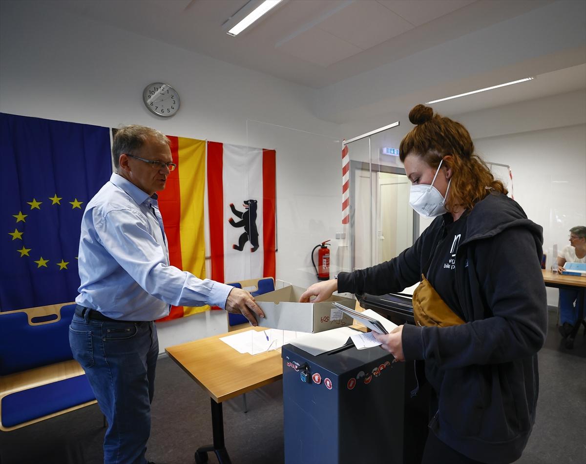 Almanya'da koalisyon pazarlıkları ve muhtemel senaryolar