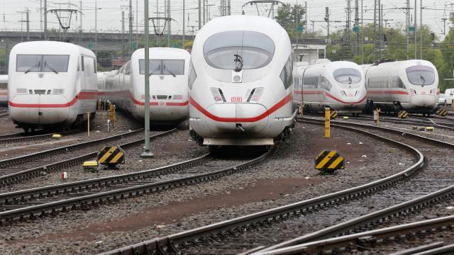 Alman demiryollarında grev krizi sürüyor