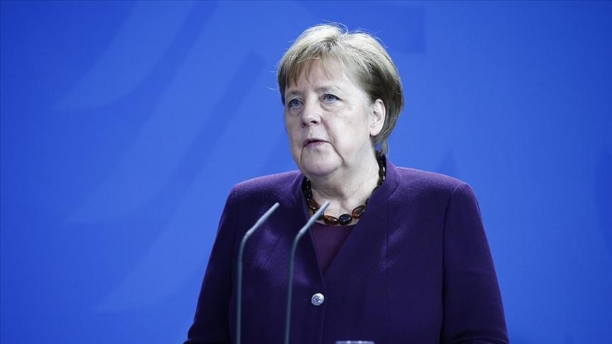 Almanya Başbakanı Merkel'den 'aşı olun' çağrısı