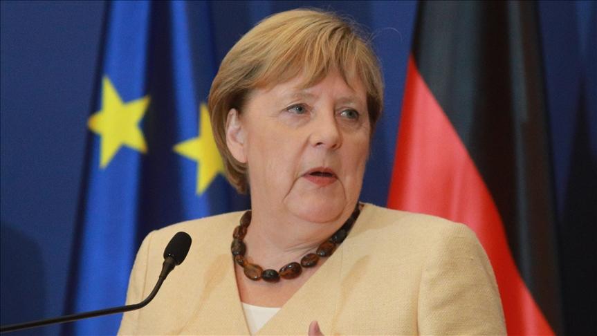 Avrupalılar Macron'u değil Merkel'i tercih ediyor