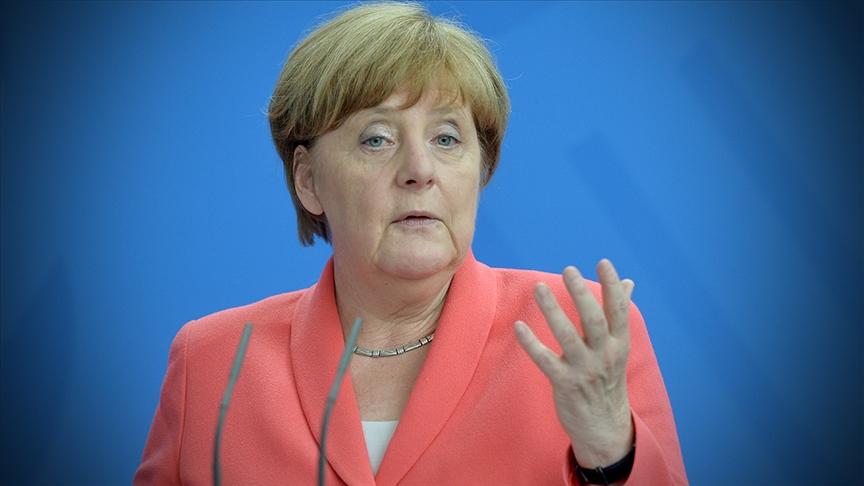 """Tarih kitaplarında """"tembel"""" olarak anılmaktan korkan Merkel"""
