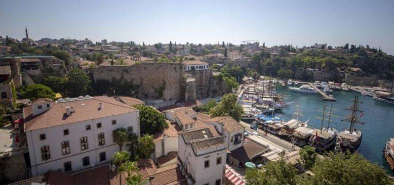 Antalya'ya gelen turist sayısı 5 milyon 342 bine ulaştı