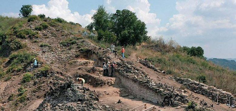 Çobankale'de titizlikle ortaya çıkarılan eserler Türk tarihine ışık tutuyor
