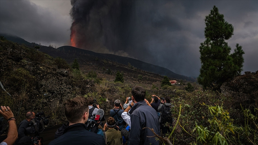 La Palma'da uçuşlar durduruldu
