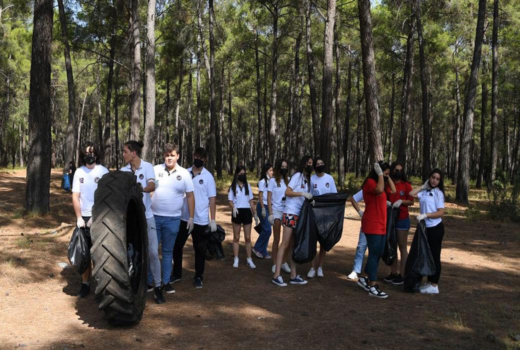 Antalya iş dünyası deniz ve ormanı temizledi