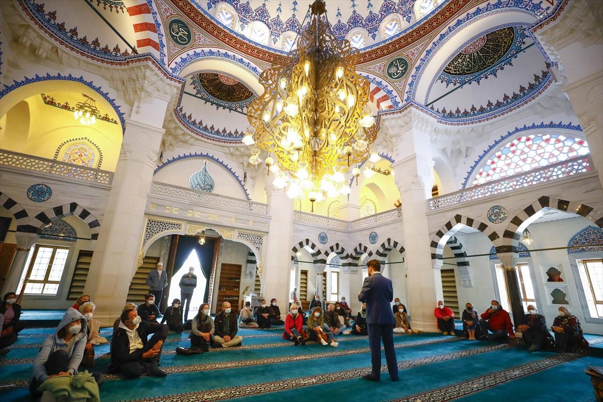 Almanya'daki camilerde 'Açık Kapı Günü' etkinliği düzenlendi