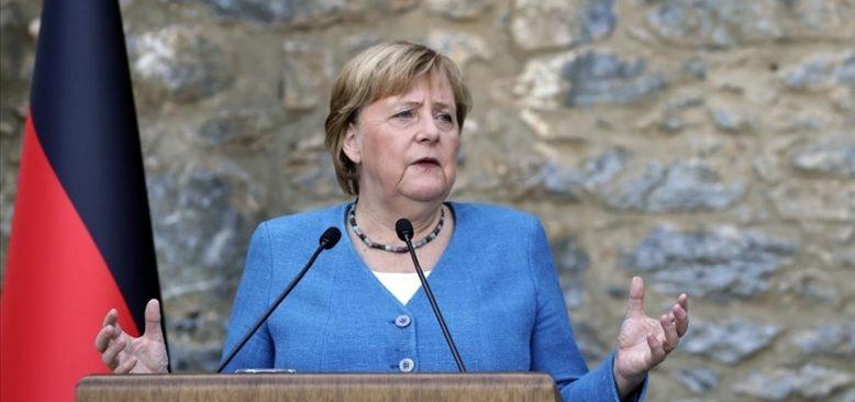 Merkel'den yeni hükümet kurulana kadar görevde kalması istendi