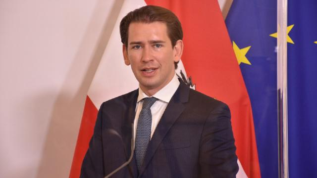 Yolsuzlukla suçlanan Avusturya Başbakanı Kurz istifa etti