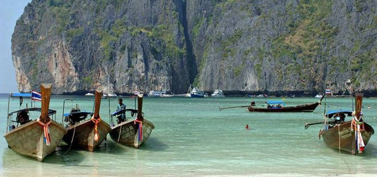 Tayland'lıların çoğu ülkenin 1. Kasım'da turistlere açılmasını istemiyor