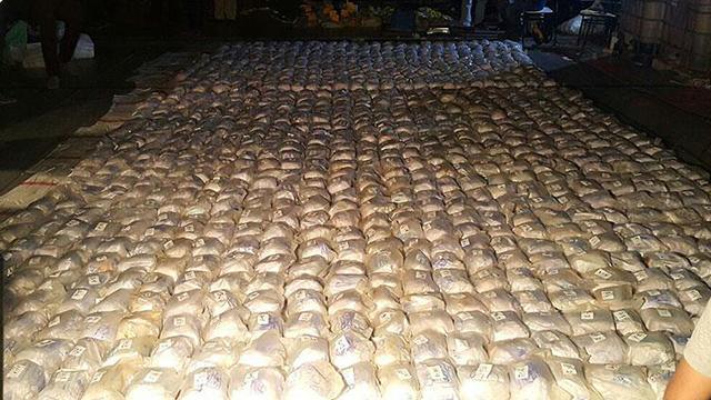 Kakao içinde bir tondan fazla kokain yakalandı
